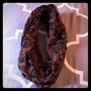 Women's Leopard Print Scarf
